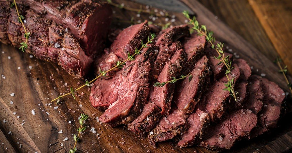20190309_smoked-peppered-beef-tenderloin_re_he_m-4739258